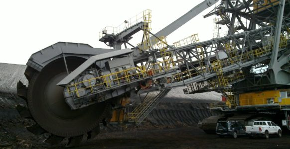 Bucket-wheel excavator (driveline with motor and gear)